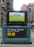 Entrada del subterráneo en la 23ro calle en NYC Imágenes de archivo libres de regalías