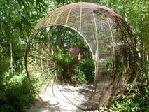 Entrada del túnel del globo del jardín Fotos de archivo