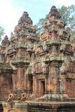 Entrada del templo banteay 2 de Srei Fotografía de archivo