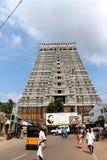 Entrada del templo de Sri Ranganathaswamy con la gente, Trichy, la India Imagen de archivo