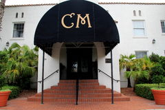 Entrada delantera a la casa histórica famosa Marina Hotel y al restaurante, playa de Jacksonville, la Florida, 2015 Imagenes de archivo