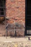 Entrada do Brownstone com porta fotos de stock