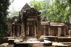 Entrada do leste do templo de Ta Prohm Imagem de Stock