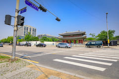 A entrada do palácio ou do Changdeokgung de Changdeok o 17 de junho, 201 Imagens de Stock