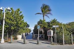 Entrada do passeio à beira mar à praia de Hollywood Fotografia de Stock Royalty Free