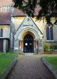 Entrada do patamar da igreja em Bracknell, Inglaterra foto de stock royalty free
