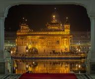 Entrada dourada do templo, Amritsar, Punjab, Índia imagem de stock royalty free