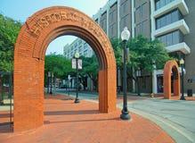 Entrada e sinais históricos de Dallas West End Fotos de Stock Royalty Free