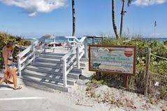 Entrada e sinal da praia de Keating Imagem de Stock Royalty Free