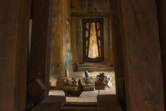 Entrada en Angkor Wat Imágenes de archivo libres de regalías