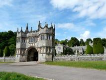 Entrada en el castillo de Lanhydrock Fotos de archivo