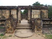 Entrada a Hatadage en Polonnaruwa Foto de archivo libre de regalías