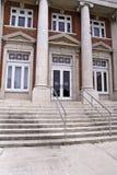 Entrada institucional del edificio Foto de archivo