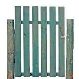 Entrada isolada da cerca do jardim da porta verde de madeira Fotos de Stock Royalty Free