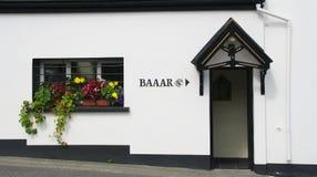 Entrada a la barra en Irlanda fotografía de archivo