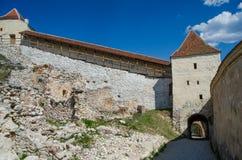 Entrada a la fortaleza de Rasnov Foto de archivo