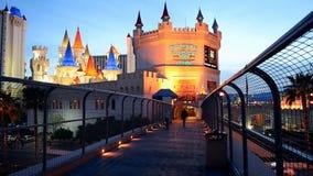 Entrada a la tranvía de Excalibur, tira de Las Vegas, Las Vegas, Nevada, los E.E.U.U., almacen de video