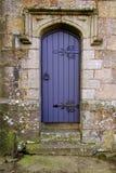 Entrada lateral de la iglesia Imágenes de archivo libres de regalías