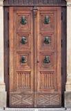 Entrada lateral a la basílica del St. Maria en Kraków Fotografía de archivo libre de regalías