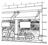 Entrada local de la tienda con las frutas y verduras frescas en cajas Mercado de los granjeros Imagen de archivo