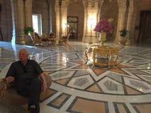Entrada luxuosa do hotel do palácio Fotos de Stock Royalty Free
