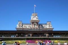 Entrada mágica del reino de Disneyworld foto de archivo libre de regalías