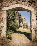 Entrada a maison du bandit cerca de Feliceto en Córcega Imagenes de archivo