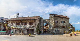 Entrada medieval da vila, Yvoire, France foto de stock