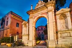 Entrada monumental en Ravena fotografía de archivo
