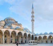 A entrada principal à mesquita de Suleymaniye fotos de stock
