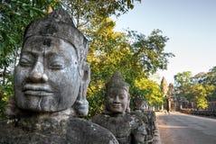 Entrada principal de Angkor Thom, Cambodia Foto de Stock Royalty Free