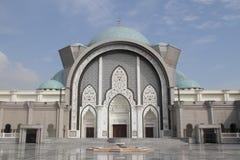 Entrada principal de la mezquita de Wilayah Imagen de archivo libre de regalías