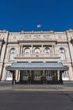 Entrada principal del teatro de los dos puntos en Buenos Aires Foto de archivo