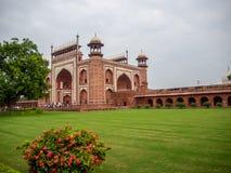 entrada a Taj Mahal en Agra imagen de archivo