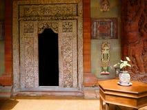 Entrada tradicional étnica da casa do Balinese fotos de stock