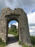Entrada a uma ruína fotografia de stock royalty free