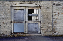 Entrada velha abandonada Imagem de Stock