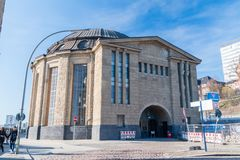 Entrada y salida de la Hamburgo Elbtunnel fotos de archivo libres de regalías