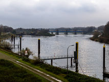 Entradas de Ruhr das luvas perto do porto de Duisburg Fotografia de Stock Royalty Free