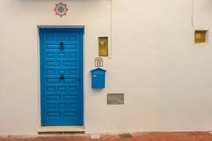 Entradas, puertas y ventanas hermosas de Frigiliana Imágenes de archivo libres de regalías