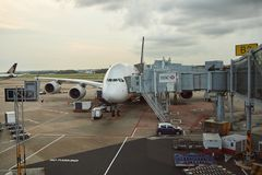 A380 entrado no aeroporto de Changi Foto de Stock