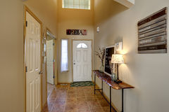 Entrance hallway with high ceiling Royalty Free Stock Photography