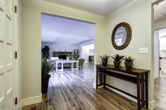 Entrance hallway with table and mirror Stock Photography