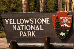 Free Entrance Sign, Yellowstone National Park, Wyoming, USA Stock Photo - 62218060