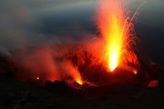 Entrando em erupção Stromboli de Pizzo. Parte 1 Foto de Stock
