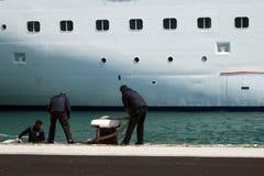 Entrando um navio Fotografia de Stock Royalty Free