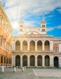 Entrante laterale alla basilica del san John Lateran a Roma, Italia Immagine Stock