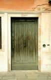 Entrata ad una costruzione a Venezia, Italia, fotografia stock libera da diritti
