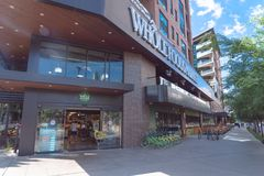 Entrata al deposito del mercato di Whole Foods a Dallas del centro, il Texas, fotografie stock libere da diritti