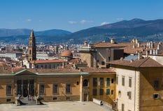 Entrata al palazzo di Pitti ed alla vista della città su fondo Immagine Stock Libera da Diritti